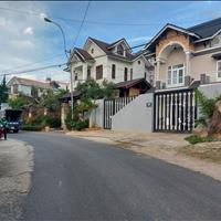 Lô đất nằm ngay mặt tiền đường, nằm trong khu vực yên tĩnh gần các dịch vụ nổi tiếng của Đà Lạt