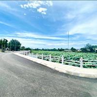 Chính chủ cần bán lô đất nền view hồ sen Hòa Lạc, trung tâm khu CNC, lãi ngay lúc mua, chỉ hơn 2 tỷ