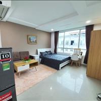 Căn hộ đầy đủ nội thất mặt tiền đường Trần Quang Diệu Quận 3, cửa sổ lớn đón gió, giá ưu đãi
