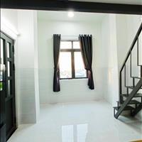 Cho thuê căn hộ có gác nhỏ cửa sổ lớn sẵn nội thất quận 7 đường Huỳnh Tấn Phát