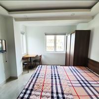 Studio đầy đủ nội thất, cửa sổ lớn đường Thành Thái, Quận 10