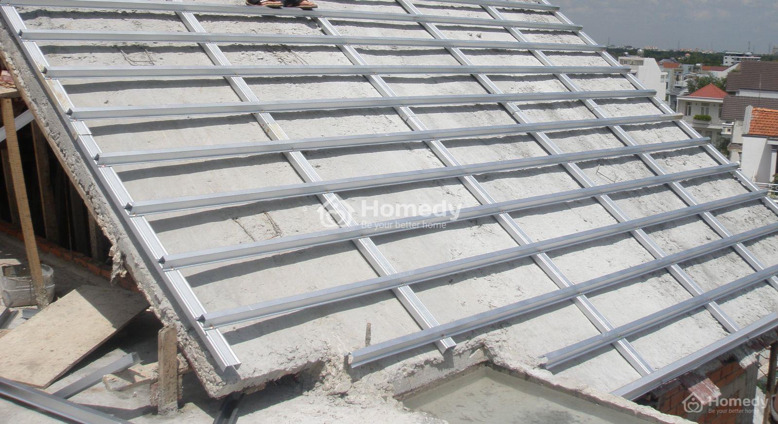 Tính độ dốc mái ngói là điều cần thiết trước khi thi công nhà