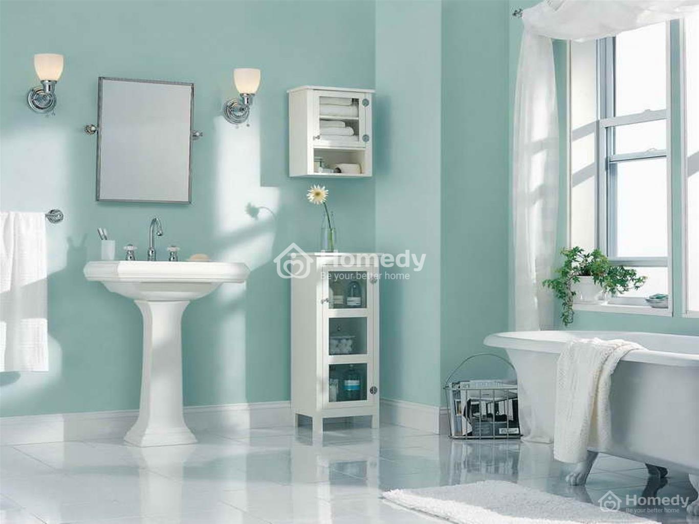 Nhà tắm sơn màu xanh ngọc sach sẽ, sáng sủa