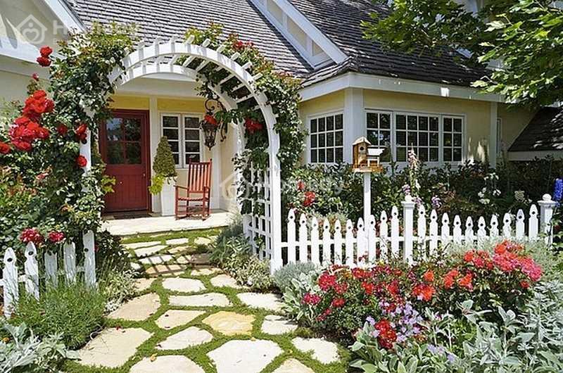 Ý nghĩa của việc trồng cây trước cổng nhà