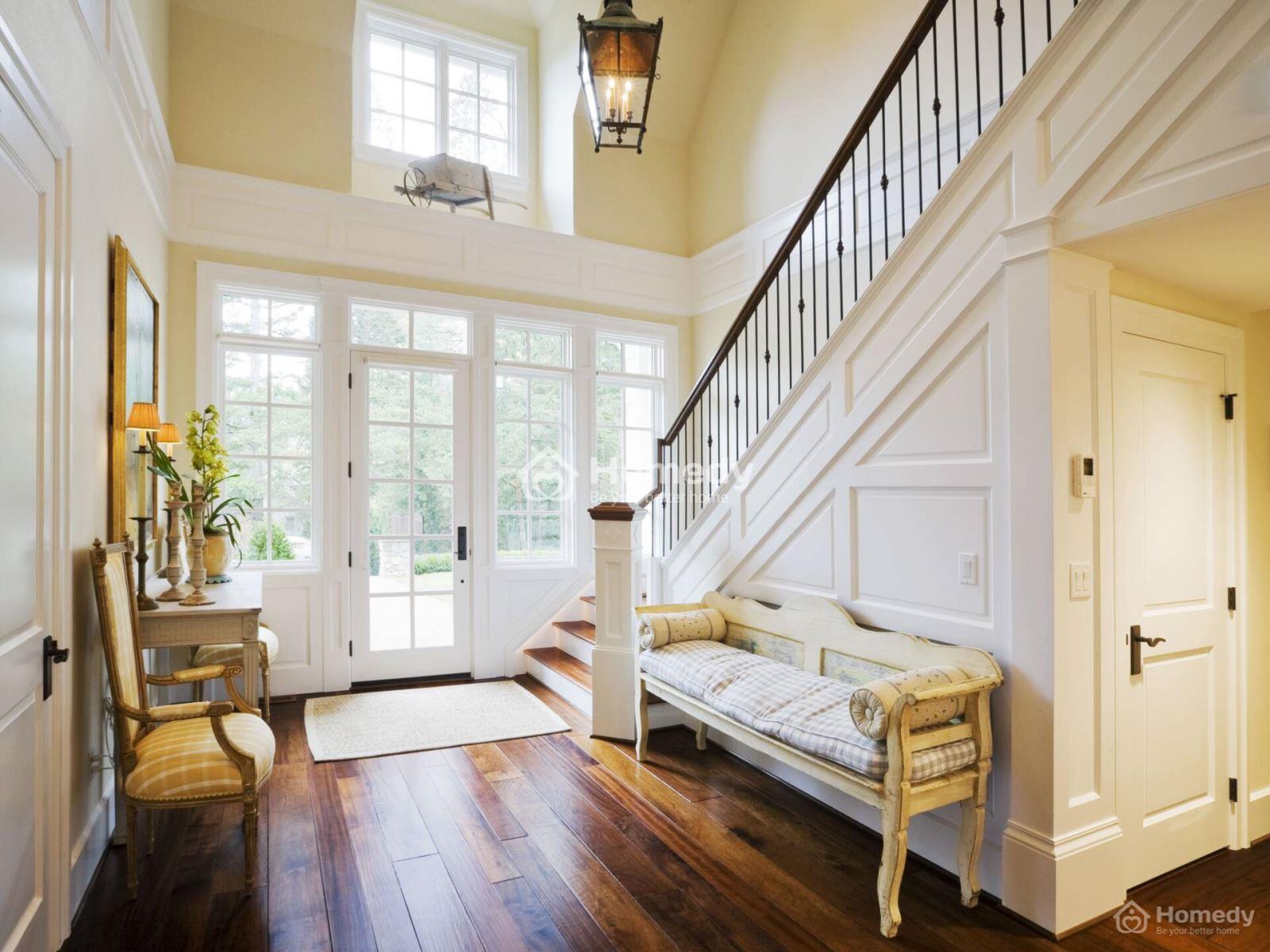Cầu thang giữa nhà đối diện cửa chính gây ảnh hưởng xấu sức khỏe gia chủ