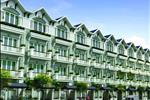 Ngọc Sơn Village là tổ hợp khu chung cư cao tầng văn phòng, thương mại dịch vụ, giới thiệu sản phẩm và nhà ở nằm trên mặt đường Quốc Lộ 6A về phía Tây Nam thành phố Hà Nội. Dự án do Công ty CP Lộc Ninh làm chủ đầu tư, được khởi công từ quý III/2013.