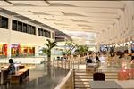Trung tâm thương mại Udic Westlake với quy mô lớn, các gian hàng bố trí hài hòa cùng nhiều thương hiệu nổi tiếng, phục vụ nhu cầu mua sắm cho cư dân của toàn bộ khu chung cư và trong khu vực.