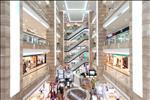 Được chính thức đi vào hoạt động từ năm 2004, trung tâm thương mại Vincom Bà Triệu được coi là nơi hội tụ các thương hiệu trong nước và quốc tế hàng đầu của mọi lĩnh vực. Bên cạnh đó, không gian ẩm thực, các quáncà phêvà giải trí giúp nơi đây trở thành điểm hẹn lý tưởng cho những buổi hẹn hò, gặp gỡ bạn bè và đối tác công việc. Khối văn phòngđược bố trí từ tầng 7 đếntầng 21 của tháp A và B.
