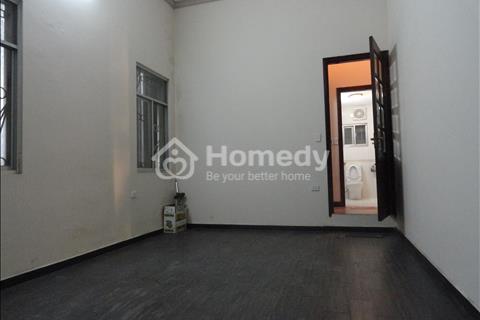 Cho thuê chung cư F5 Trung Kính, 120 m2, làm văn phòng