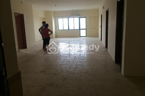 Cho thuê căn hộ 194 m2 tòa 57 Láng Hạ làm văn phòng