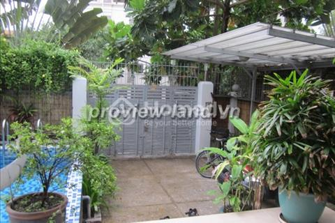 Cần bán căn villa Thảo Điền 450m2 sần vườn hồ bời nhà thiết kế tao nhã.