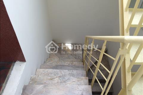 Cho thuê nhà Nguyễn Khang, 52 m2 X 5 tầng, ô tô tránh nhau