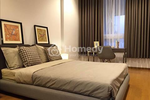 Bán gấp căn hộ 2 phòng ngủ của Sky Center, view quận 1.