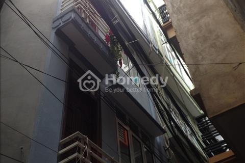 Chính chủ bán nhà ngõ 122 đường Láng, Đống Đa, Hà Nội. Nhà mới nhỏ xinh. Giá 2,25 tỷ