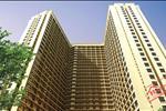 Tòa nhà sang trọng, tiện ích, tiết kiệm năng lượng, thân thiện với môi trường. Toàn bộ lan can được dát vàng 18K, các thiết bị vệ sinh, khóa cửa đều được phủ vàng 24K.
