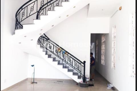 Cho thuê nhà nguyên căn Huỳnh Tấn Phát, 8PN, 2WC