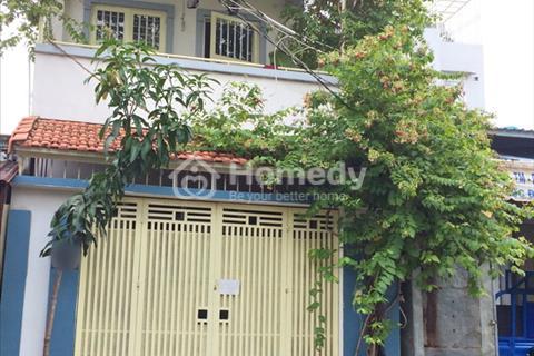 Tôi cần bán gấp nhà phố 1 lầu mặt tiền đường số 53, P. Bình Thuận, Quận 7.