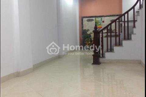 Bán nhà riêng quận Thanh Xuân diện tích 38 m2, mặt tiền 4 m, ngõ 3 m. Giá 2,4 tỷ