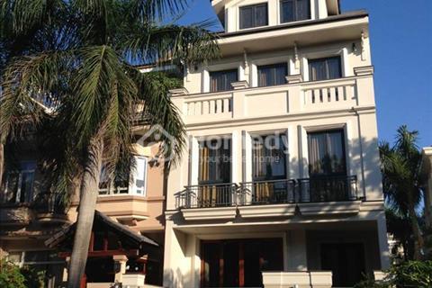Bán gấp căn biệt thự Nam Quang, Phú Mỹ Hưng DT 7x18, giá 15,5 tỷ, tặng full nội thất cao cấp