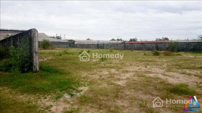 Bán đất xây xưởng ở Hóc Môn. DT 5000 m2, mặt tiền đường 20m, SHR - 3
