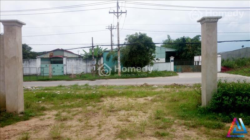 Bán đất xây xưởng ở Hóc Môn. DT 5000 m2, mặt tiền đường 20m, SHR - 2