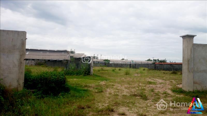 Bán đất xây xưởng ở Hóc Môn. DT 5000 m2, mặt tiền đường 20m, SHR - 4