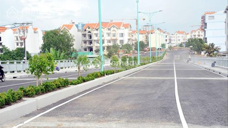 Cho thuê biệt thự mặt tiền Nguyễn Thị Thập, dt 20x20 = 400m2, giá 300 triệu/tháng - 3