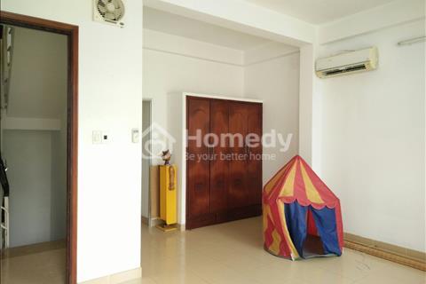 Cho thuê nhà Thảo Điền khu Làng Báo chí 250m2 3PN có ban công sân thượng
