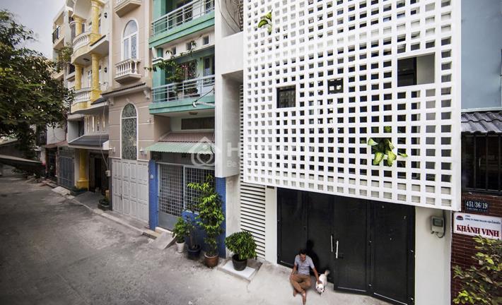 Thiết kế ngôi nhà diện tích nhỏ nhưng đủ không gian thoáng đãng dành cho 3 thế hệ trong gia đình