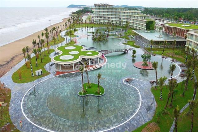 Điểm nhấn mới trong diện mạo của thị xã Sầm Sơn chính là Quần thể du lịch nghỉ dưỡng sinh thái FLC Sầm Sơn hay cả FLC Luxury Resort Samson