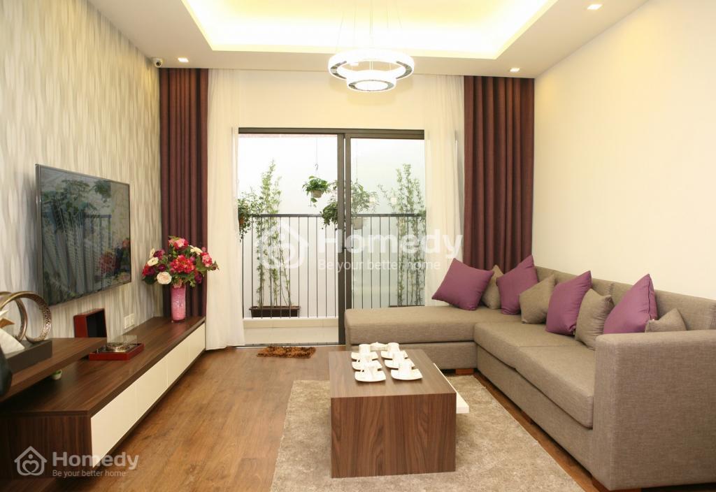 Với lớp kính hộp bảo vệ cùng hệ thống cây xanh mang đến sự thông thoáng cho mỗi căn hộ tại đây