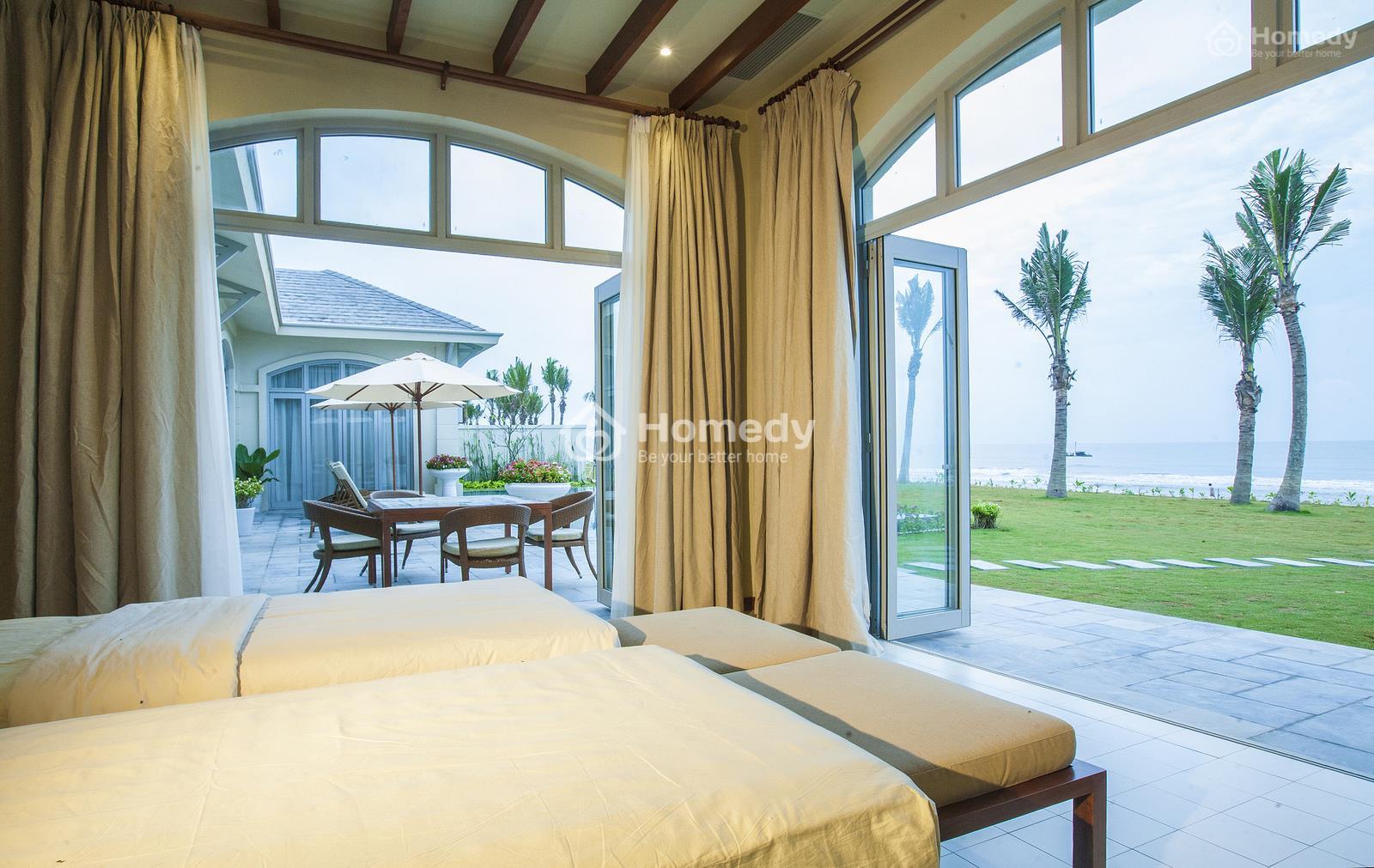 Nhìn từ phía trong biệt thự hướng biển Luxury Resort Samson