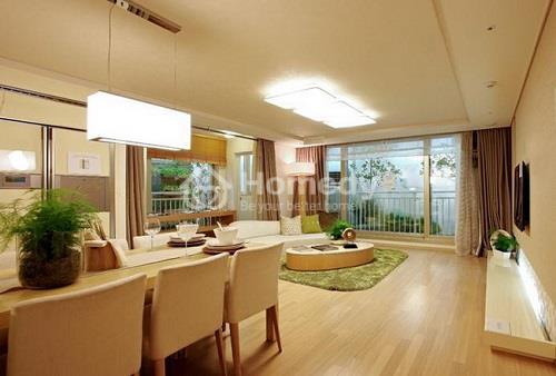 Khu vực phòng khách được thiết kế hliên thông với phòng ăn