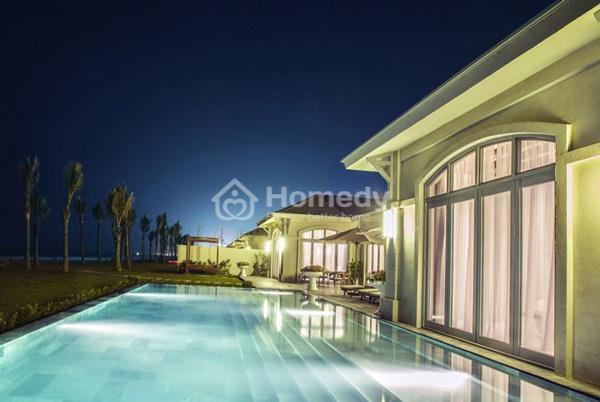 Góc biệt thự FLC Luxury Samson Resort lung linh vào buổi đêm