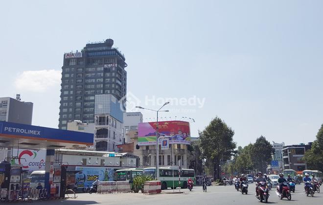 Dự án căn hộ hạng sang The One Sài Gòn giảm giá gần một nửa để thu hồi vốn.
