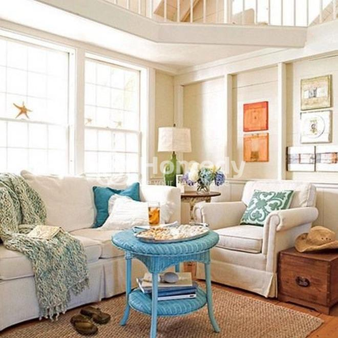 Cửa sổ kích thước lớn khiến căn phòng trông có vẻ rộng hơn. Ngoài ra, bạn nên dùng loại rèm cửa có chất liệu mỏng, nhẹ, sáng màu.