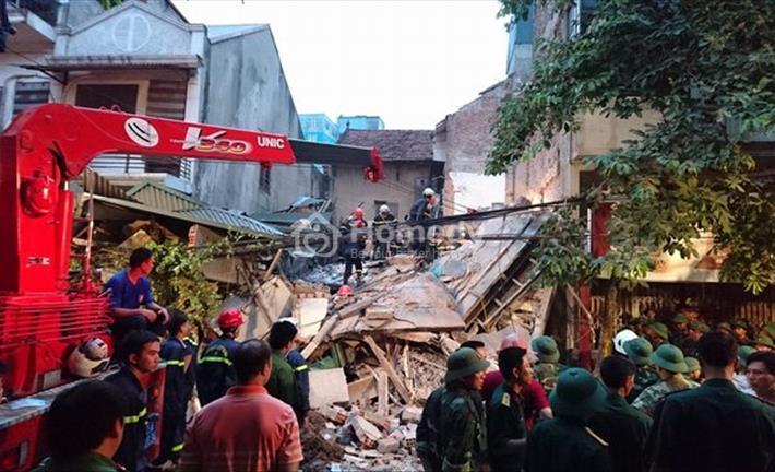 Toàn cảnh vụ sập nhà tại phố cổ Hà Nội
