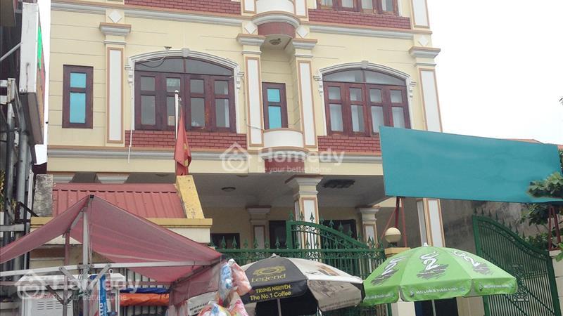 Nguyên căn cho thuê đón tết trên đường Phan Đình Giót sát công viên Hoàng Văn Thụ (diện tích: 9.5x1 - 1