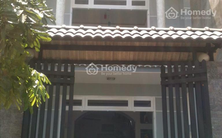 Bán nhà MT đường Đề Thám, P. Cô Giang, Quận 1. DT: 4,5x 19 m. Giá: 18,5 tỷ