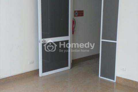 Cho thuê văn phòng tại mặt phố Duy Tân 45 m2. Giá 3-7tr/ tháng