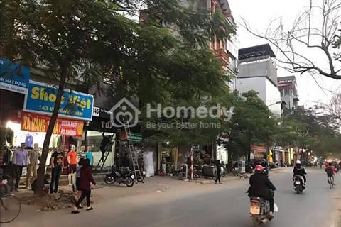 Bán đất mặt phố Vũ Tông Phan 60 m2, Mt 4m, 2 mặt thoáng, 180 triệu/ m2.