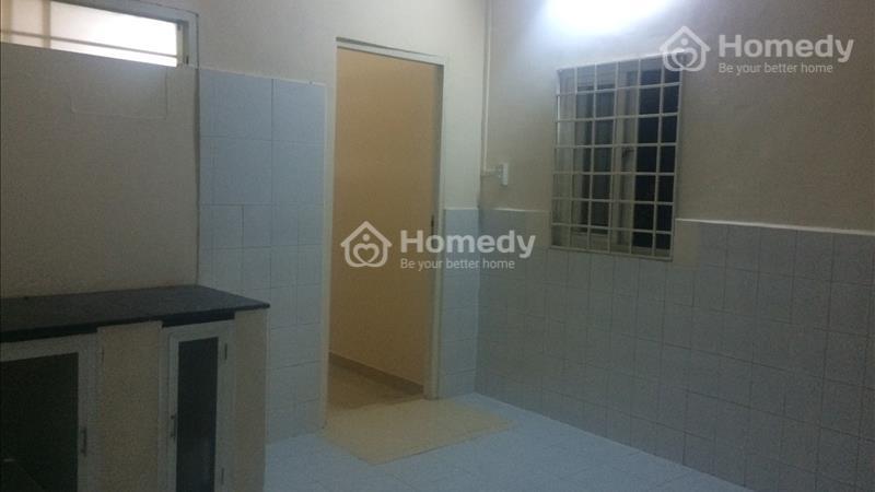 Cần bán căn hộ Chung cư - Ngay chợ- Thông thương - Đi đâu cũng gần - TT Q.5 - 6