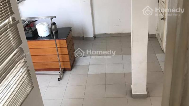 Cho thuê căn hộ trong nhà nguyên căn: sạch sẽ, mát mẻ, 50m2 đường Nguyễn Sơn Hà, p5,quận 3 - 3