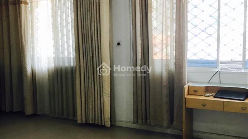 Cho thuê căn hộ trong nhà nguyên căn: sạch sẽ, mát mẻ, 50m2 đường Nguyễn Sơn Hà, p5,quận 3 - 4