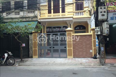 Cho thuê nhà mặt phố Dịch Vọng Hậu, 40 m2x 5 tầng, 28 triệu