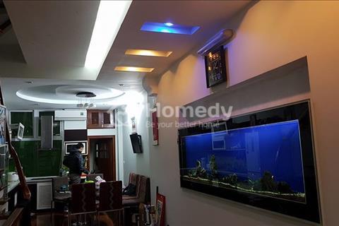 Cần bán nhà, diện tích 52 m2, phân lô, có gara ô tô, phố Trần Cung, giá 5,6 tỷ.