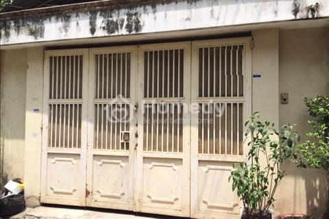 Bán nhà hẻm xe hơi Lạc Long Quân, nhà cũ giá 6,1 tỷ