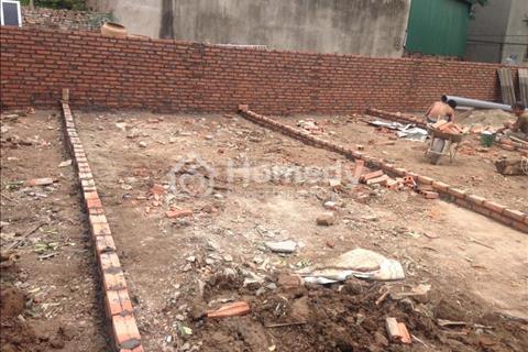Cần bán gấp lô đất Bình Minh - Trâu Quỳ 34 m2. Mặt tiền 4 m, đường 3,5 m thông. Giá 950 triệu