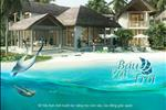 """Mỗi căn biệt thự tại Premier Village Kem Beach Resort như một """"báu vật của trời"""" với phong cách thiết kế mạng đậm kiến trúc làng quê Việt Nam, những lớp mái tranh, những căn phòng gian rộng mở điểm xuyến bằng những hàng cột gỗ giản đơn."""