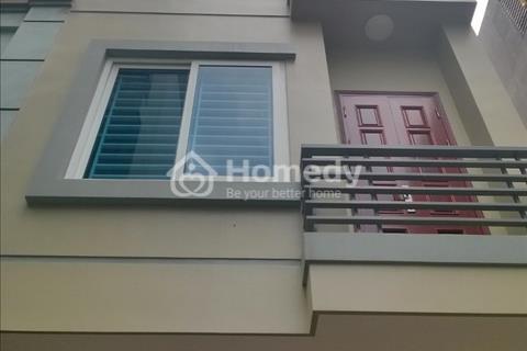 Cho thuê nhà 6 tầng 91 m2 gần ngã tư Nguyễn Trãi – Nguyễn Xiển